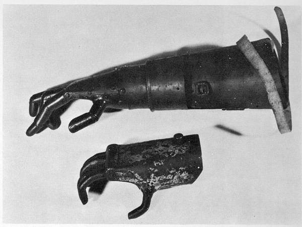 középkori katona műkarja